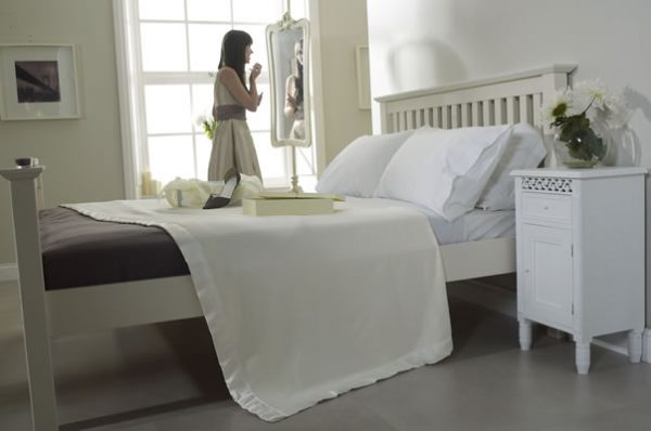 Cashmere Wool Blanket Bedroom Scene