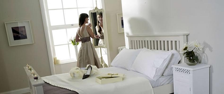Cashmere Wool Blanket Bedroom Scene